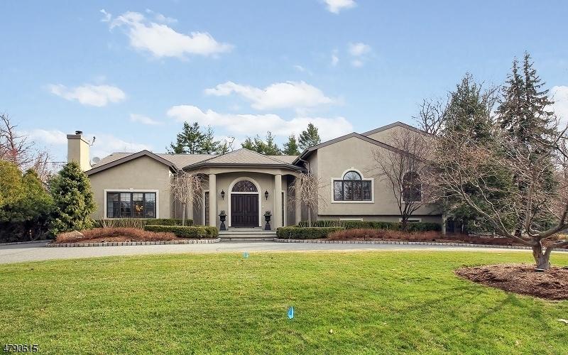 Частный односемейный дом для того Продажа на 22 Ross Road Livingston, Нью-Джерси 07039 Соединенные Штаты