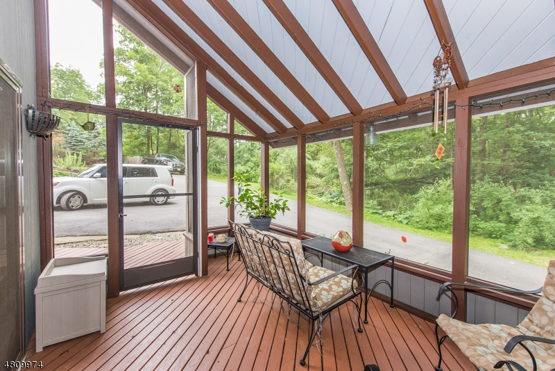 Additional photo for property listing at 912 OLD SCHOOLHOUSE Road  Stillwater, 新澤西州 07860 美國