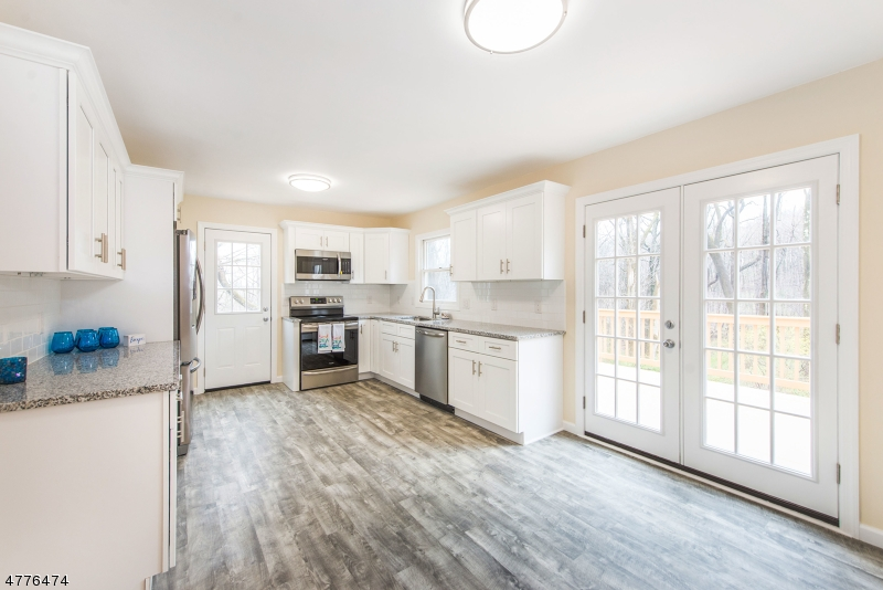 Μονοκατοικία για την Πώληση στο 529 DRAKESTOWN Road Mount Olive, Νιου Τζερσεϋ 07836 Ηνωμενεσ Πολιτειεσ