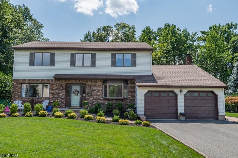 Casa Unifamiliar por un Venta en 18 ORLANDO Drive Fairfield, Nueva Jersey 07004 Estados Unidos