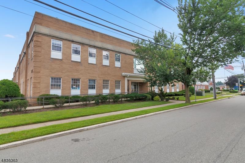 Comercial para Arrendamento às 1033 CLIFTON Avenue Clifton, Nova Jersey 07013 Estados Unidos