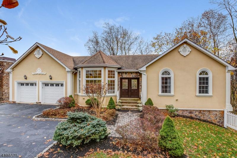 Частный односемейный дом для того Аренда на 27 SUSAN Drive Chatham, Нью-Джерси 07928 Соединенные Штаты