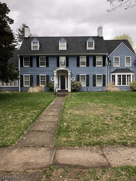 Single Family Homes pour l Vente à Plainfield, New Jersey 07060 États-Unis