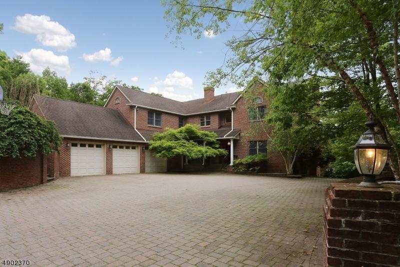 Single Family Homes para Venda às Jefferson Township, Nova Jersey 07849 Estados Unidos