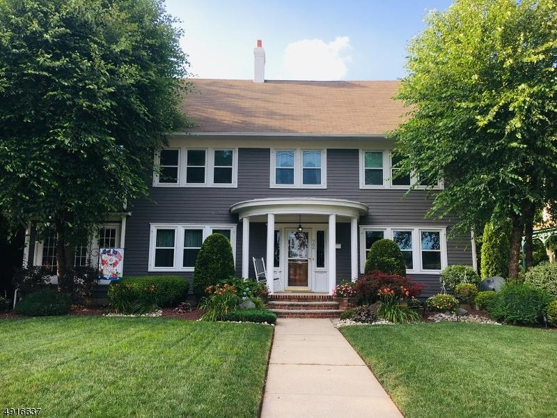 Single Family Homes för Försäljning vid Woodbridge, New Jersey 07095 Förenta staterna