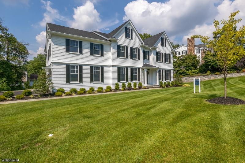 Single Family Homes para Venda às Chatham, Nova Jersey 07928 Estados Unidos