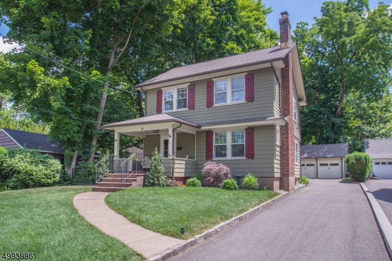 Single Family Homes för Försäljning vid Caldwell, New Jersey 07006 Förenta staterna