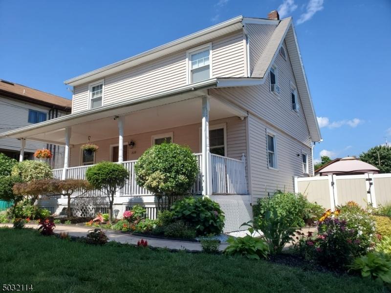 Single Family Homes vì Bán tại Hawthorne, New Jersey 07506 Hoa Kỳ