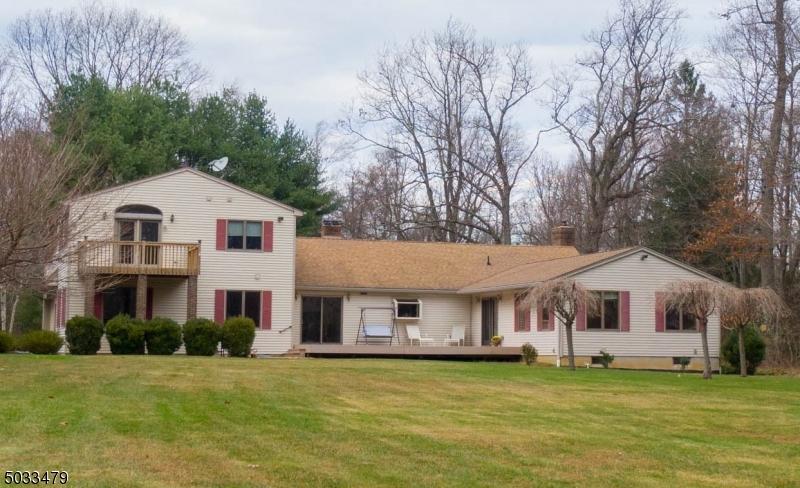 Single Family Homes vì Bán tại Lebanon, New Jersey 08826 Hoa Kỳ