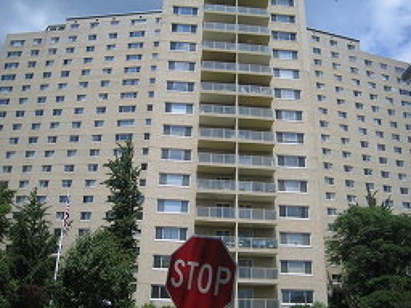 Maison unifamiliale pour l Vente à 377 S Harrison Street East Orange, New Jersey 07018 États-Unis