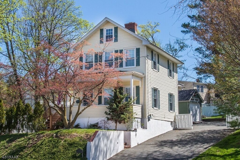 Single Family Home for Sale at 307 Pompton Avenue Cedar Grove, New Jersey 07009 United States