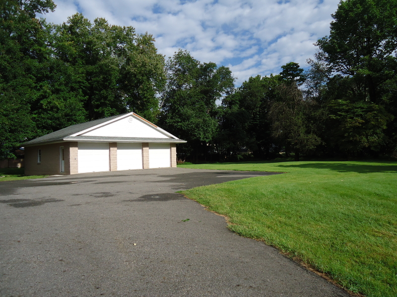 Additional photo for property listing at 2 Newark Pompton Tpke  Pequannock, New Jersey 07440 États-Unis