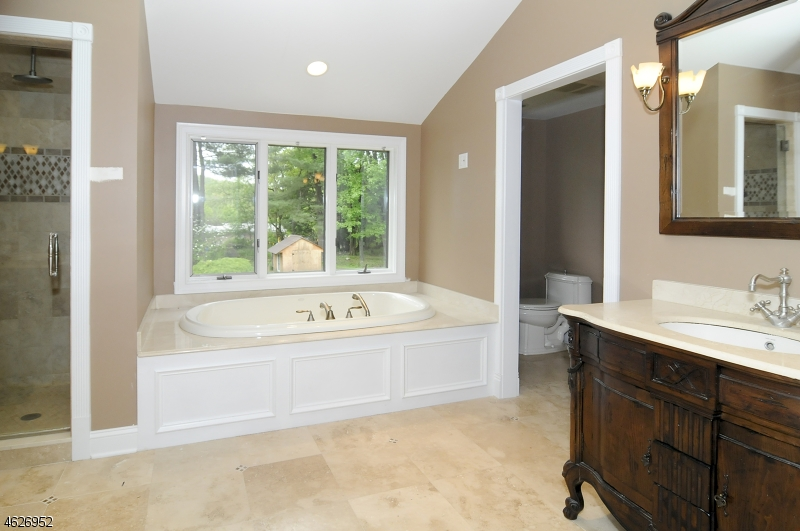 Additional photo for property listing at 763 Commanche Lane  Franklin Lakes, Нью-Джерси 07417 Соединенные Штаты