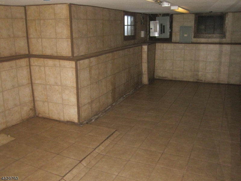 Additional photo for property listing at Address Not Available  West Orange, New Jersey 07052 États-Unis