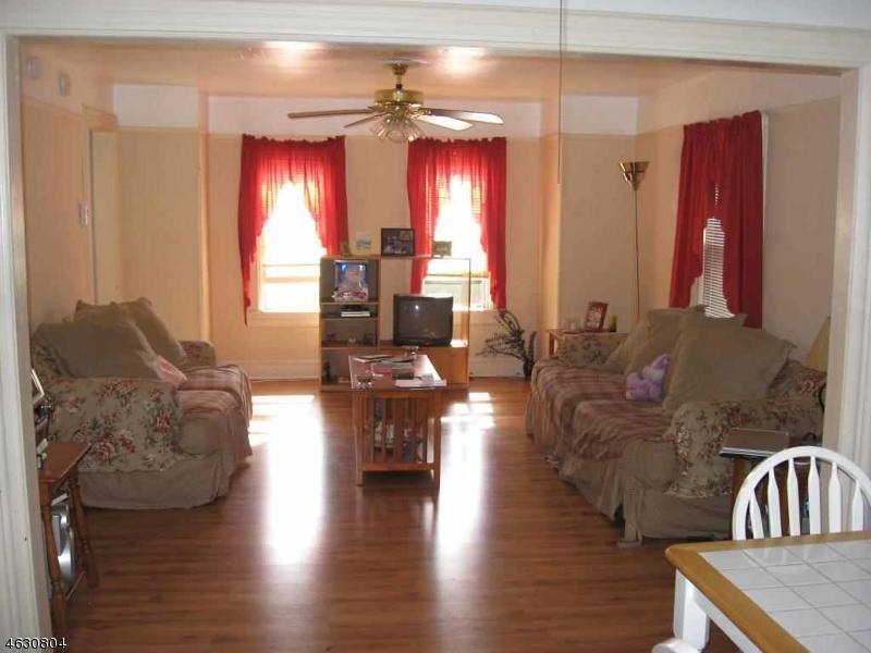 Additional photo for property listing at 131-37 E 9TH Street  Plainfield, Нью-Джерси 07060 Соединенные Штаты