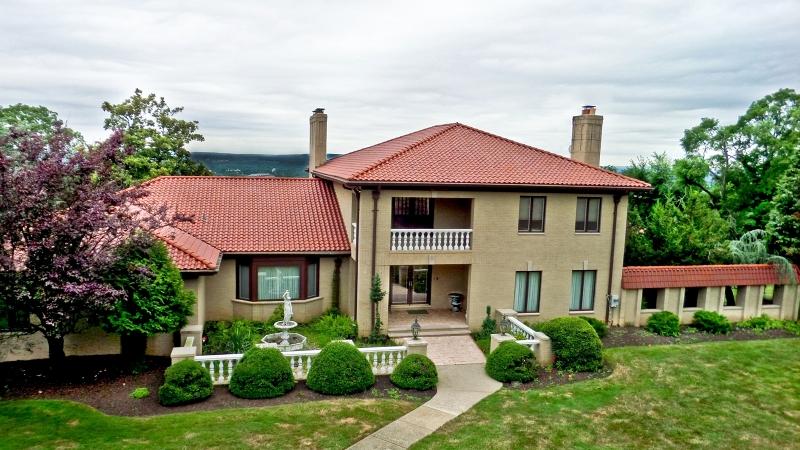 Частный односемейный дом для того Аренда на 8 Caruso Court Bridgewater, 08807 Соединенные Штаты