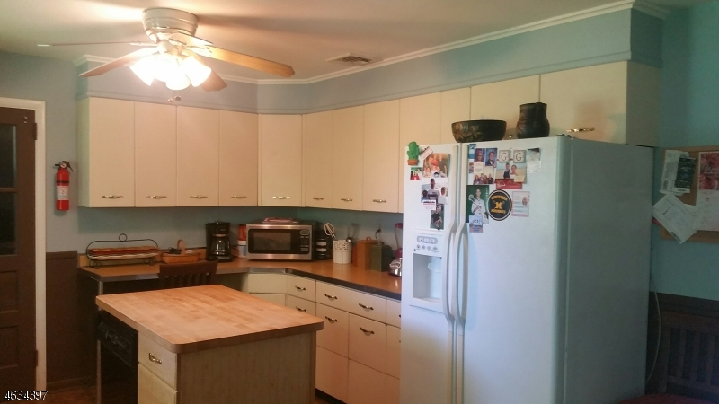 Additional photo for property listing at 25 Blossom Hill Road  Clinton, New Jersey 08833 États-Unis