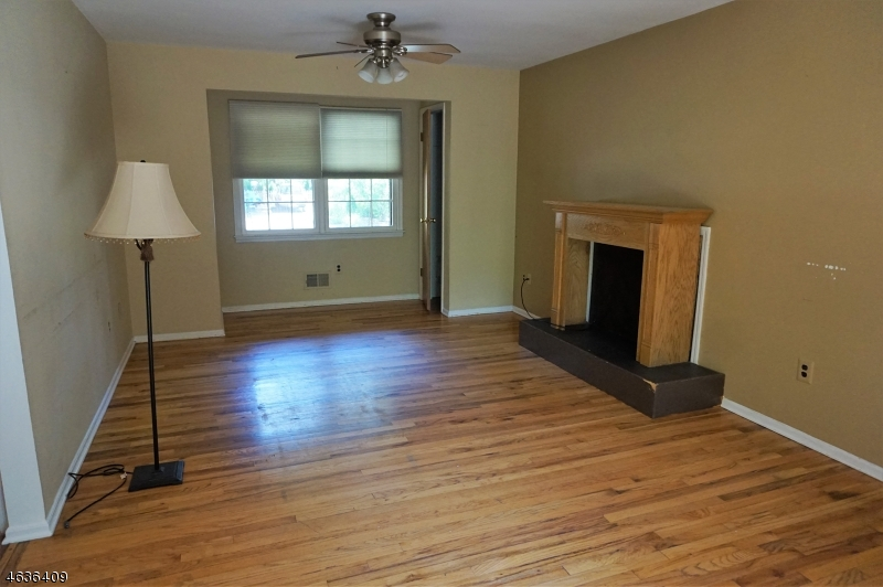 Additional photo for property listing at 164 Clinton Street  Hightstown, New Jersey 08520 United States