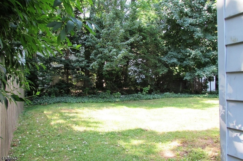 Additional photo for property listing at 12 Claremont Place  Bloomfield, New Jersey 07003 United States