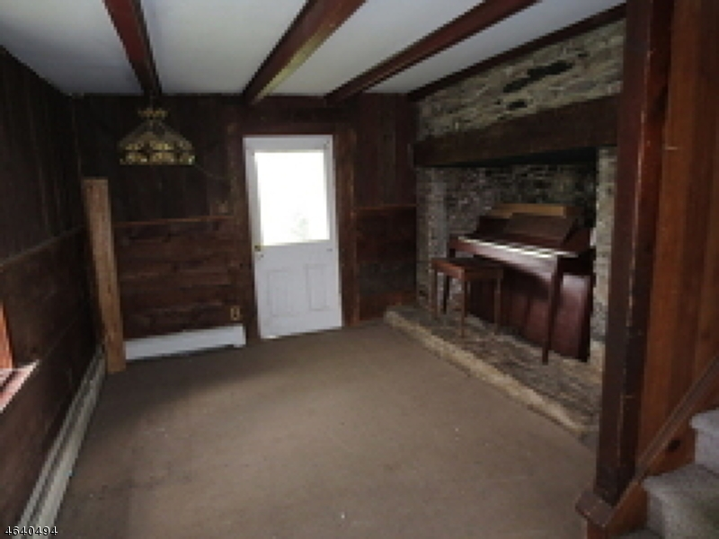 Additional photo for property listing at 22 Fitzer Road  Frenchtown, New Jersey 08825 États-Unis