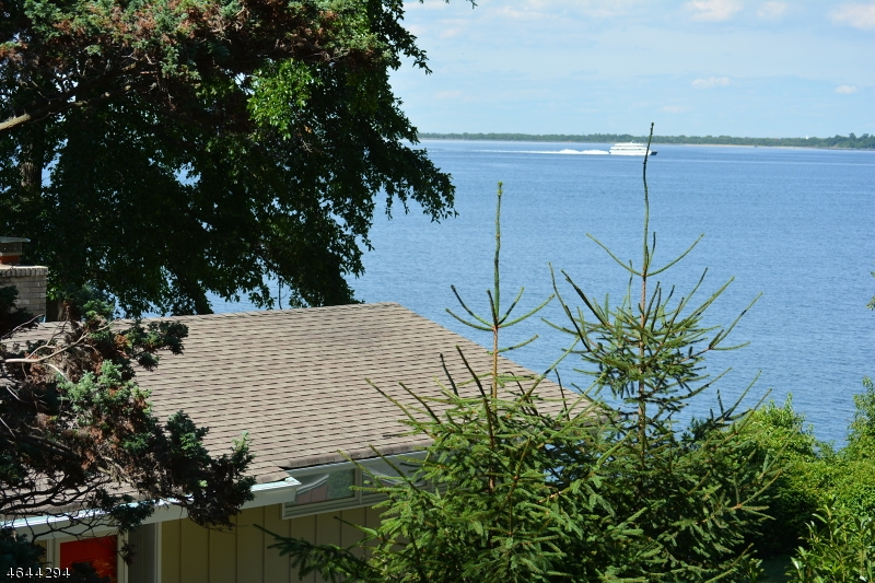 Additional photo for property listing at 2 Bayside Drive  Atlantic Highlands, New Jersey 07716 United States