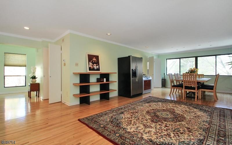 Additional photo for property listing at 26 Daniel Court  Ridgewood, Нью-Джерси 07450 Соединенные Штаты