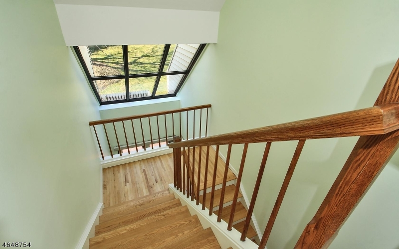 Additional photo for property listing at 26 Daniel Court  Ridgewood, New Jersey 07450 United States