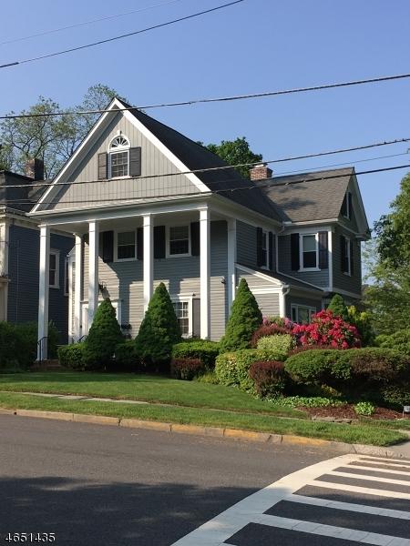 Casa Unifamiliar por un Alquiler en 13 Colles Avenue Morristown, Nueva Jersey 07960 Estados Unidos