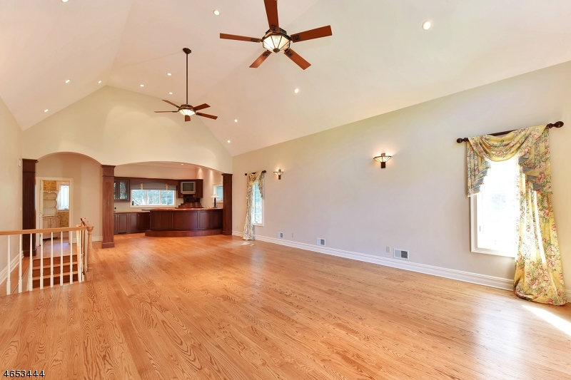Additional photo for property listing at 311 Crescent Drive  Franklin Lakes, Nueva Jersey 07417 Estados Unidos