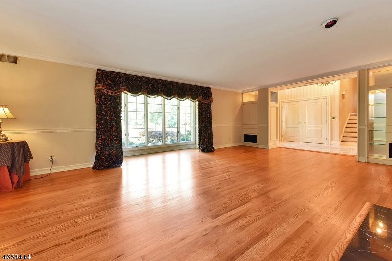 Additional photo for property listing at 311 Crescent Drive  Franklin Lakes, New Jersey 07417 United States
