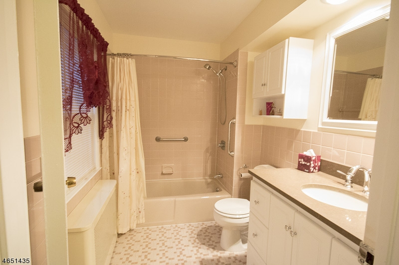 Additional photo for property listing at 13 Colles Avenue  Morristown, Nueva Jersey 07960 Estados Unidos