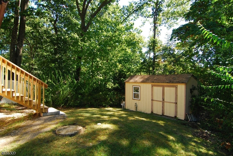 Additional photo for property listing at 18 Cornell Way  Hopatcong, Nueva Jersey 07843 Estados Unidos