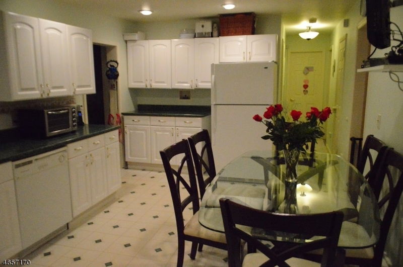 Additional photo for property listing at 71 Wetmore Avenue  Morristown, New Jersey 07960 États-Unis