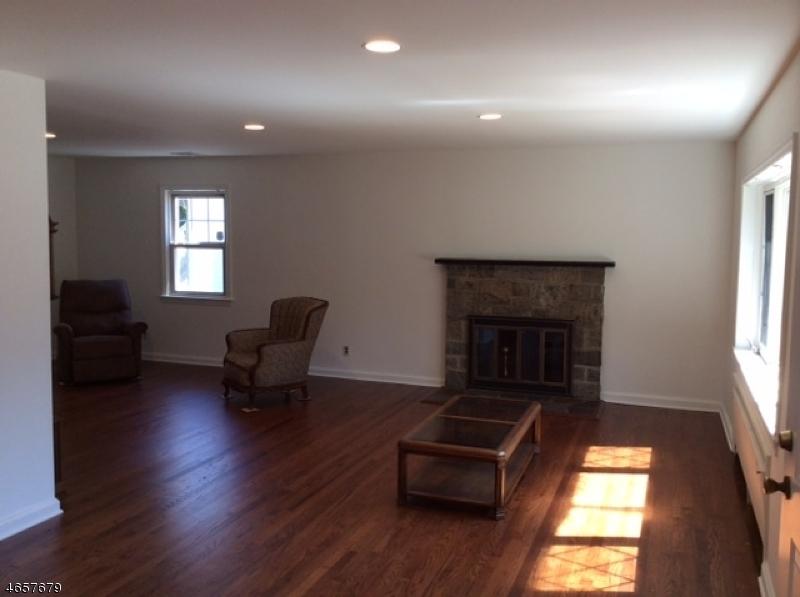 Additional photo for property listing at 39 W Hanover Avenue  Morris Plains, Нью-Джерси 07950 Соединенные Штаты