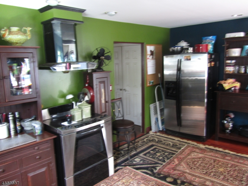 Additional photo for property listing at 2 Bartles Corner Road  Raritan, Нью-Джерси 08822 Соединенные Штаты