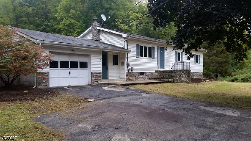 Additional photo for property listing at 92 Bunn Road  Hamburg, New Jersey 07419 États-Unis