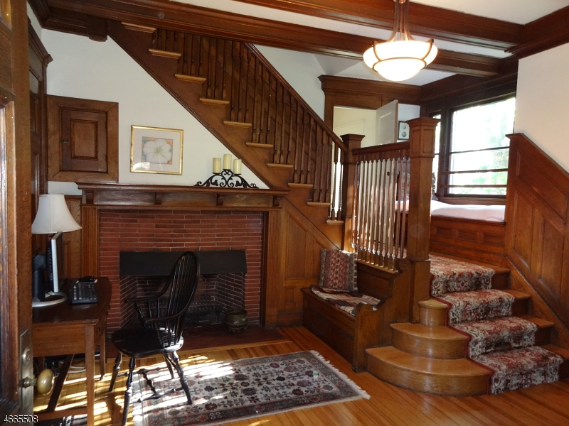 Additional photo for property listing at 214 Lorraine Avenue  Montclair, Nueva Jersey 07043 Estados Unidos