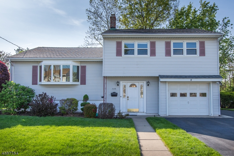 独户住宅 为 销售 在 7-35 Westmoreland Avenue 费尔劳恩, 新泽西州 07410 美国