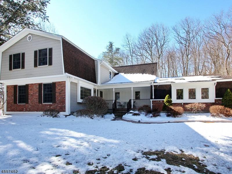 独户住宅 为 销售 在 61 Mountain Road Ledgewood, 新泽西州 07852 美国