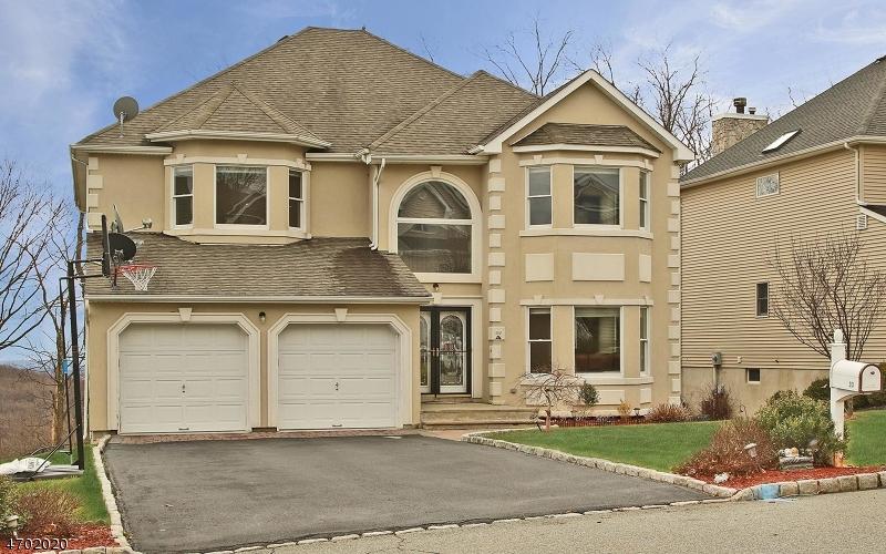 Casa Unifamiliar por un Venta en 33 Winterset Drive Morris Plains, Nueva Jersey 07950 Estados Unidos