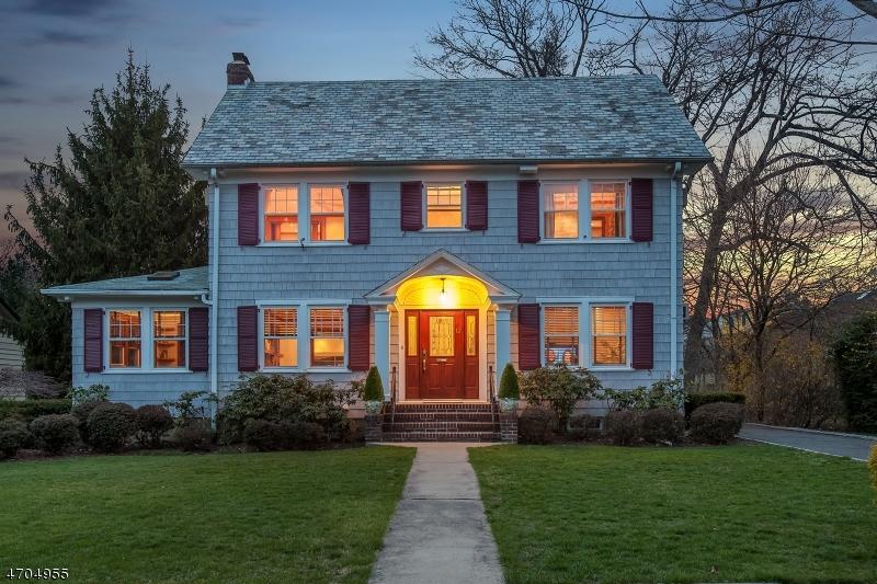 Casa Unifamiliar por un Venta en 12 Mitchell Place Glen Ridge, Nueva Jersey 07028 Estados Unidos