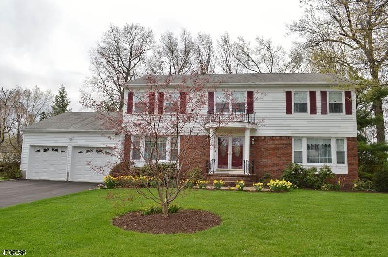 独户住宅 为 销售 在 76 Tanglewood Drive 东汉诺威, 新泽西州 07936 美国