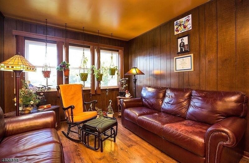 独户住宅 为 销售 在 457 Huntington Road Union, 新泽西州 07083 美国