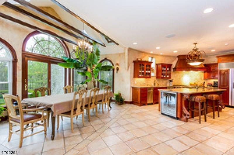 独户住宅 为 销售 在 38 Upper Kingtown Road Franklin, 新泽西州 08867 美国