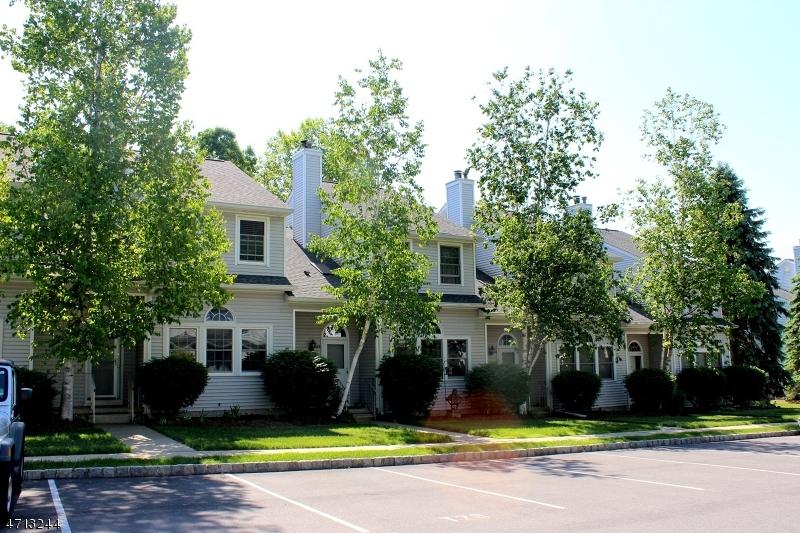Maison unifamiliale pour l à louer à 332 Carnegie Court Hackettstown, New Jersey 07840 États-Unis