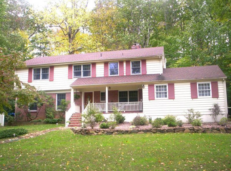 Частный односемейный дом для того Аренда на 18 Indianhead Road Morristown, Нью-Джерси 07960 Соединенные Штаты