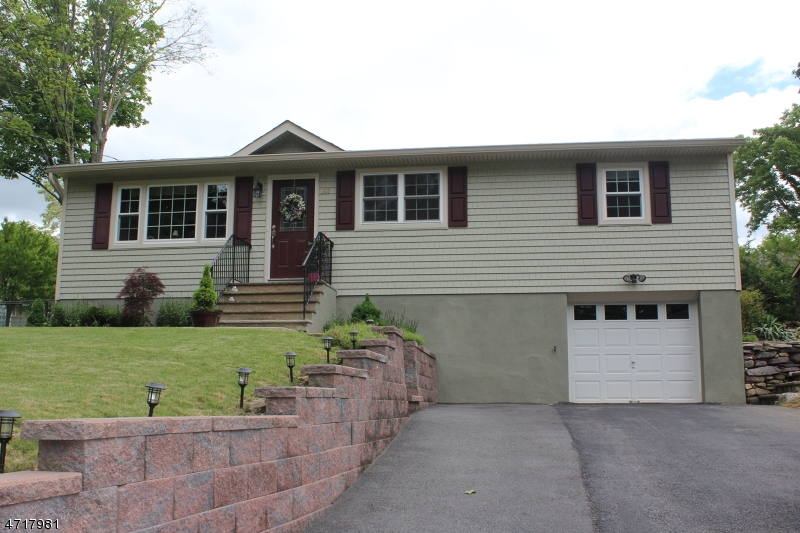 Single Family Home for Sale at 180 Germantown Rd West Milford, New Jersey 07480 United States