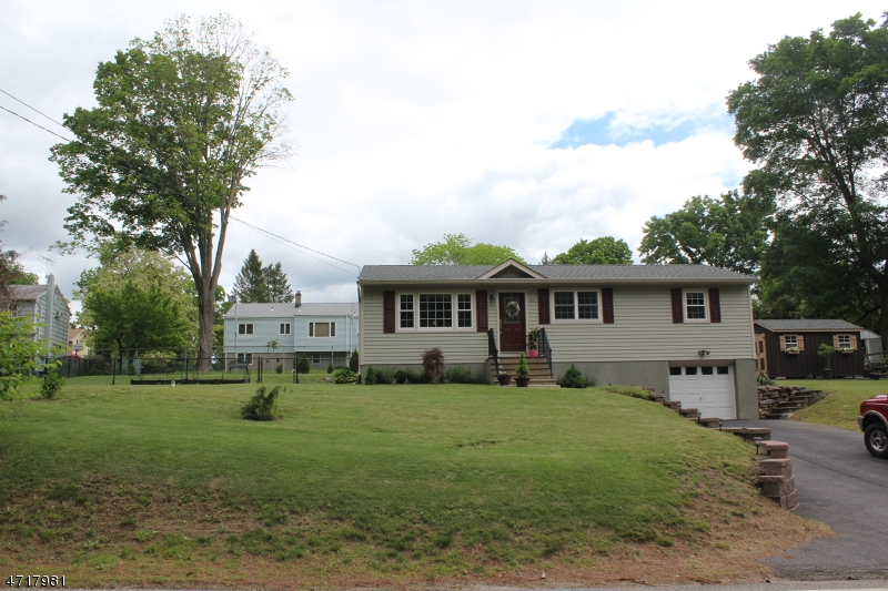 Additional photo for property listing at 180 Germantown Rd  West Milford, New Jersey 07480 United States