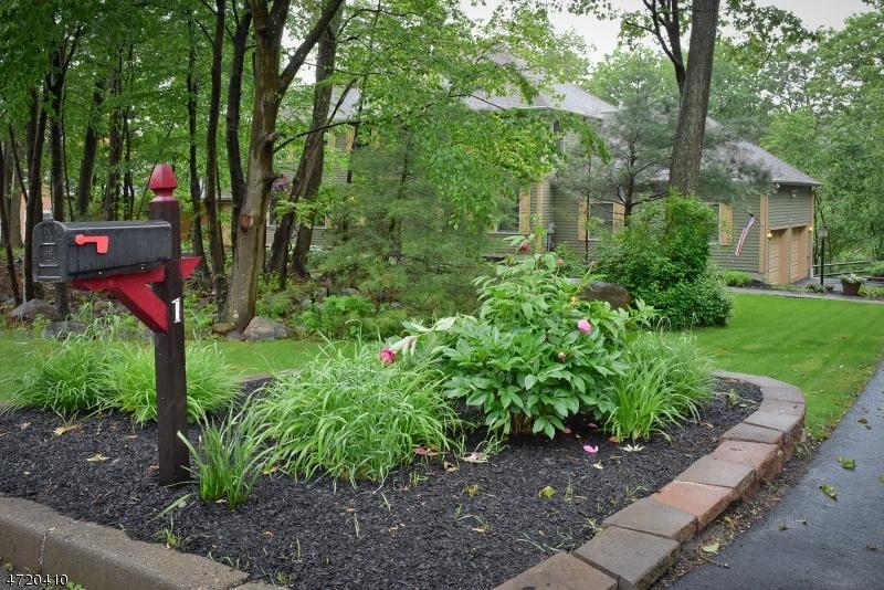Частный односемейный дом для того Продажа на 1 October Hill Road Oak Ridge, Нью-Джерси 07438 Соединенные Штаты