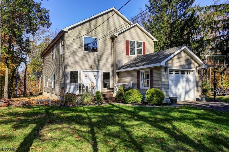 Einfamilienhaus für Verkauf beim 415 Emerson Lane 415 Emerson Lane Berkeley Heights, New Jersey 07922 Vereinigte Staaten